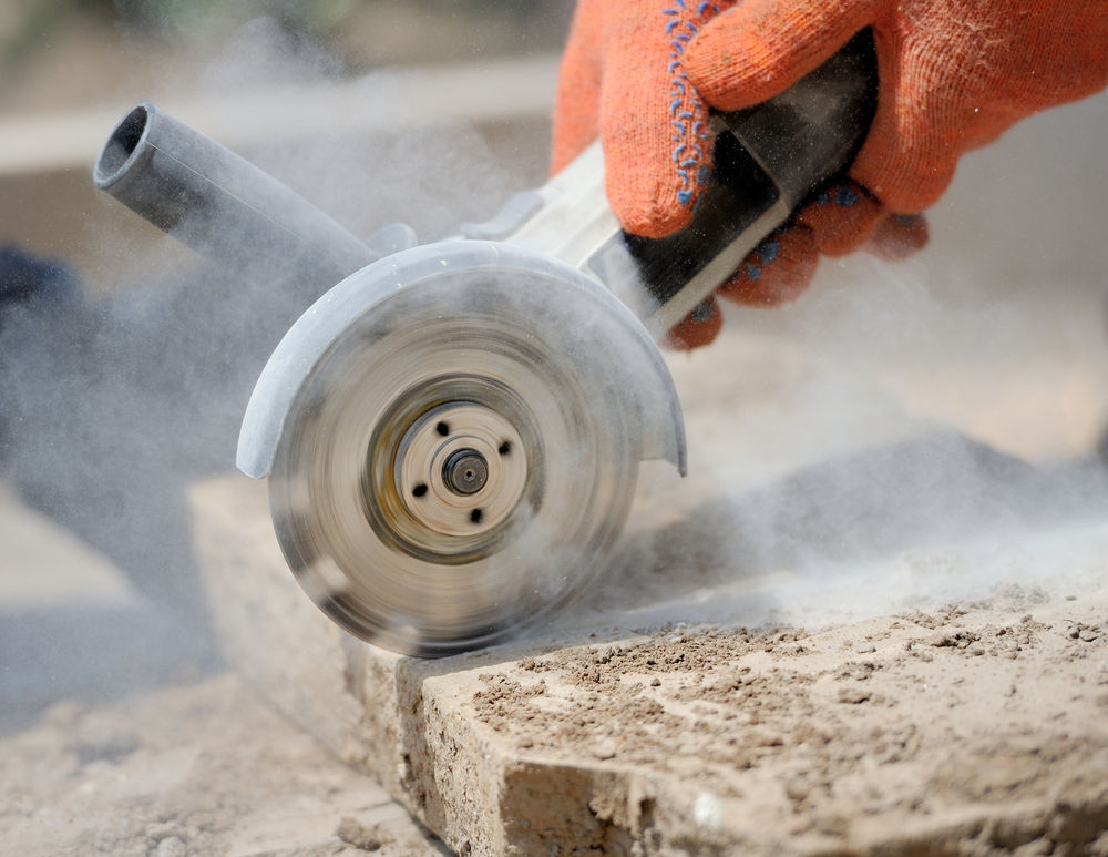 Worker grinding stone which can cause lung cancer